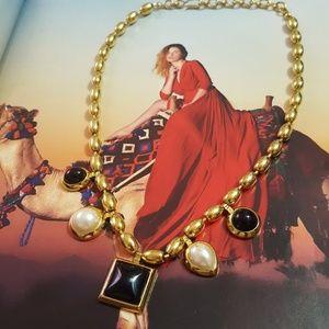 Jewelry - Vintage Neclace
